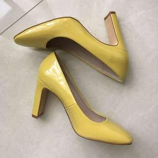 ZARA Patent Leather Finish High Heel Shoes in Yellow