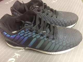 Adidas us9.5 變色龍 二手美品