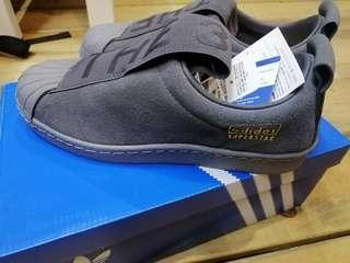🚚 Adidas superstar slip on