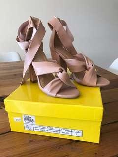 Women's blush heel