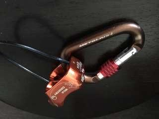 Metolius BRD Belay Device with Element Screwgate Carabiner