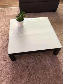 🚚 Bali Coffee Table with white tampered glass