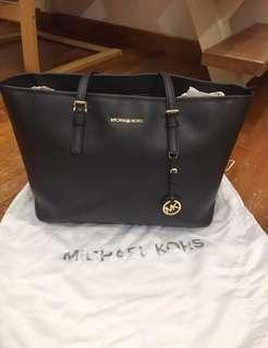 🚚 Michael Kors Jet Set Black Tote Bag