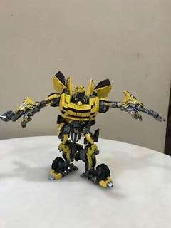 Bumblebee Battle Hornet