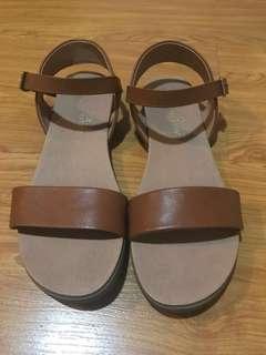 Brown/Beige Sandals