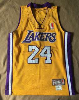 5484a1f50  REPRICED  lakers 24 kobe bryant hardwood classics jersey