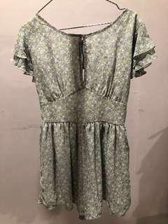 Backless floral dress (kulot)