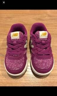New balance kids sneaker(US7)