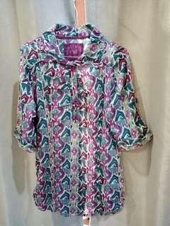08. Women abstract top