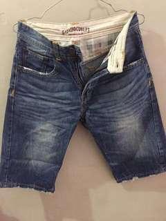 Celana Pendek merk gionino