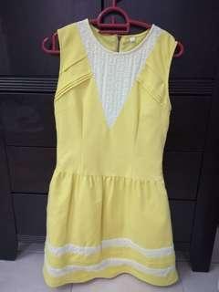 Yellow dress M