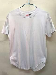 🚚 素面短袖T恤 下襬圓弧設計