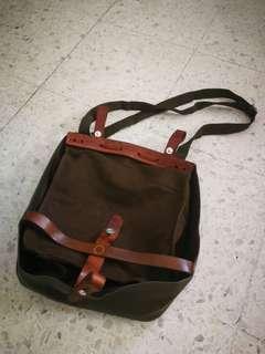 Vintage army sling bag