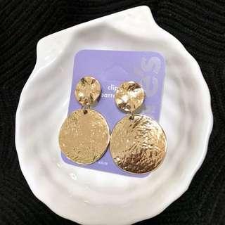 🚚 現貨-金色圓形耳環金屬圓片耳夾無耳洞