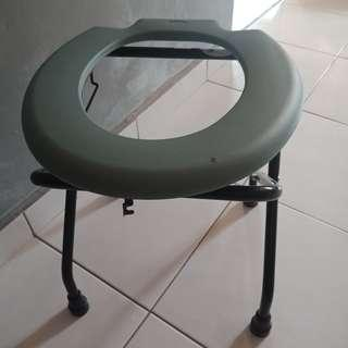 Commade Chair
