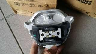 Audi Q5 Gearbox mouting 2010