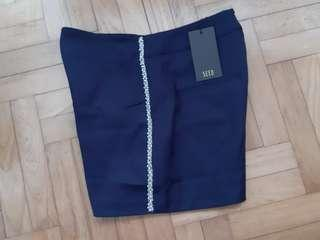 SEED Tailored Shorts in Size M BNWT