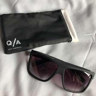 Quay Black Glasses