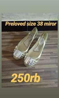 Preloved sepatu