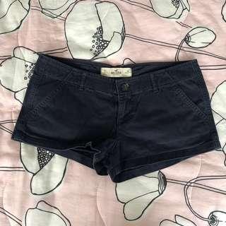 Hollister navy 低腰短褲