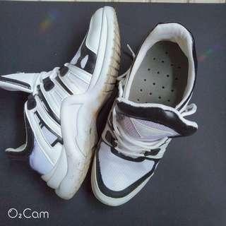 🚚 運動白鞋