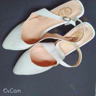 氣質白跟鞋
