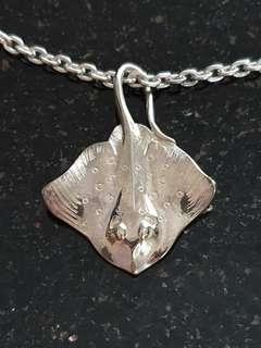 Authentic Big Blue by Roland St. John 925 Sterling Silver Stingray Pendant and Sterling Chain