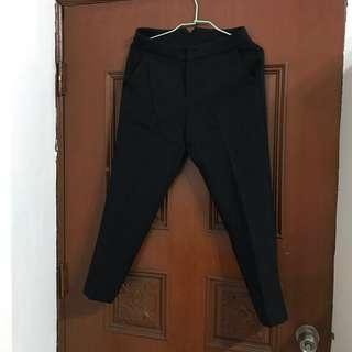 🚚 黑色九分褲