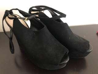 Charles & Keith black pump Shoes