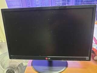 """🚚 LG 20"""" monitor"""