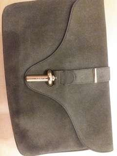 balenciaga suede clutch 70% new 購自英國 驚皮 一折