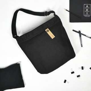 ARTE Canvas Sling Bag | Black | Cross-body