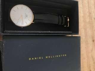 🚚 Daniel Wellington 40mm Sheffield watch
