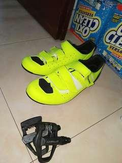 Clipless btwin pedals and shoes with cleats