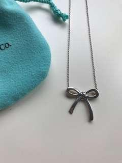 Tiffany & Co silver bow pendant necklace
