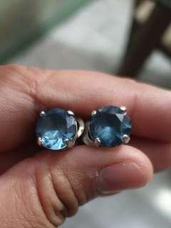 5 karat Aquamarine stone earring