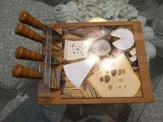 🚚 Cheese cutting board