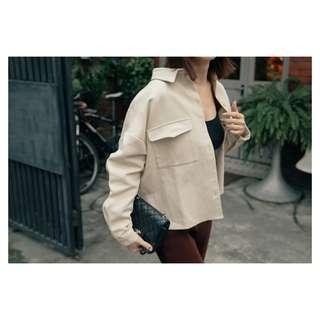 🚚 Mercci22 雙口袋挺版夾克