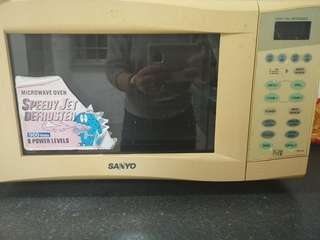 🚚 Microwave