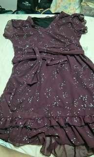 Maroon short sleeve dress