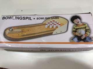 Desk mini bowling