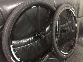 26er wheelset with tire