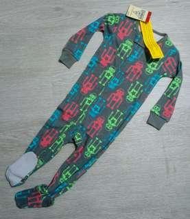 NEW 12M Oshkosh Boy Long Sleeve Sleepwear / Playsuit