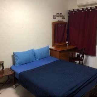 Near Jurong East/ Chinese Garden MRT - Blk 250 Jurong East Street 24 for Sale, 3 Room Model Flat,