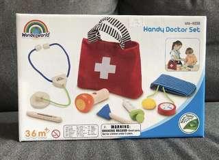 Wonderland Kids wooden doctor set