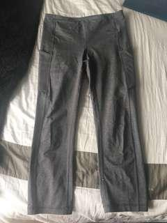 "Lululemon ""Speed Up Crop"" Capri with Pockets Size 4"