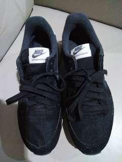 Nike Sport Shoes Black Size UK4.5