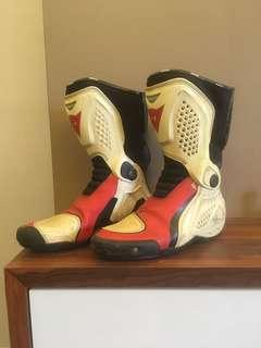 racing shoes/ boots dainese tr course out