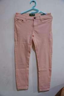 Celana peach