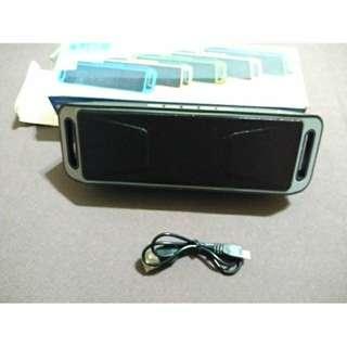 近新 藍芽音響 聲音大 如同 含盒 充電線